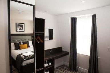 tudor_inn_hotel_double12