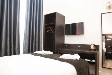 tudor_inn_hotel_double2