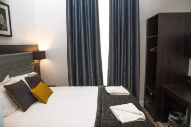 tudor_inn_hotel_double4