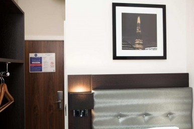 tudor_inn_hotel_single1